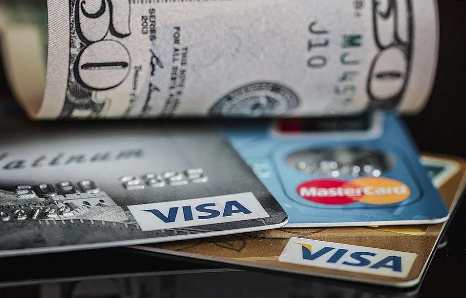 La lotteria degli scontrini: contanti o cashless?